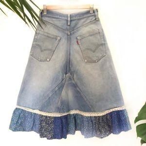Vintage Boho Levi's jeans Skirt sz 26 prairie lace